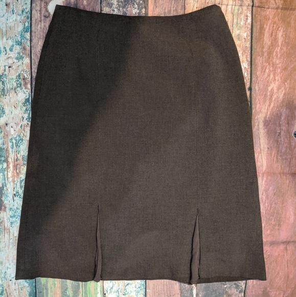 Jones Wear Dresses & Skirts - Vintage JONES WEAR Stretch Sz. 8 brown skirt